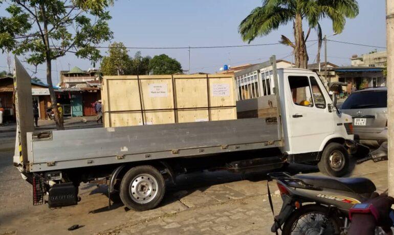 Arrivee de la decoupe laser à Cotonou